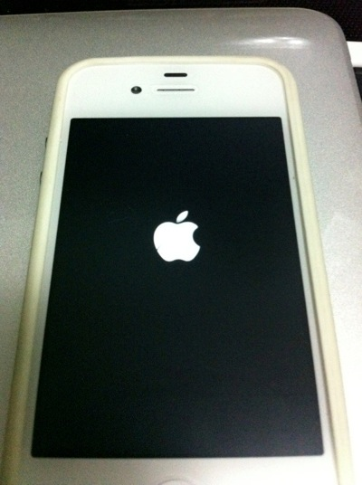 Jailbreak white iphone with Redsn0w  pic 5