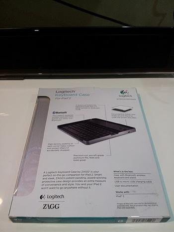 Logitech Keyboard Case for iPad 2 by Zagg 03
