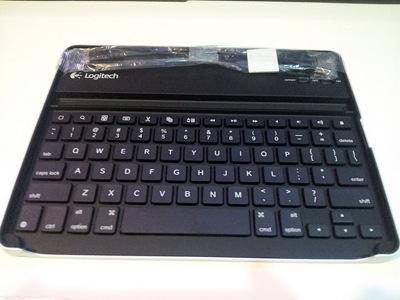 Logitech-Keyboard-Case-for-iPad-2-by-Zagg.47.jpg