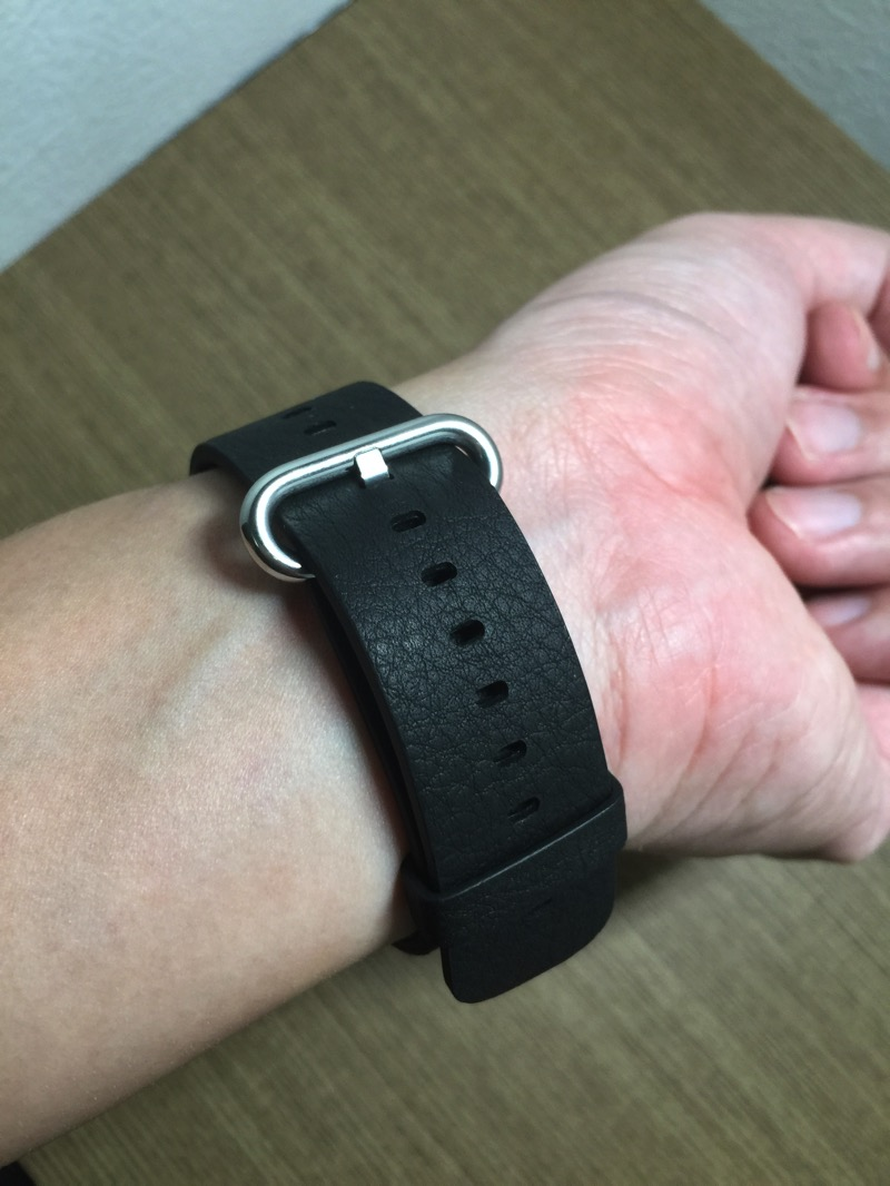 Apple Watch - wearing it on hand - view 2
