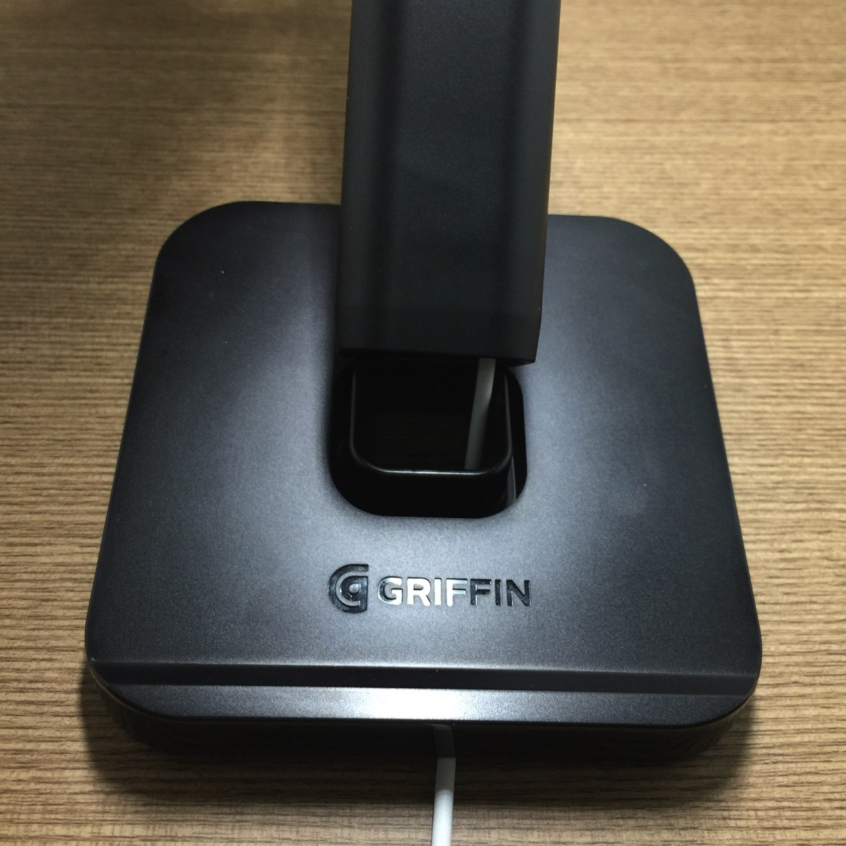 Griffin WatchStand Charging Dock - Setup Step6