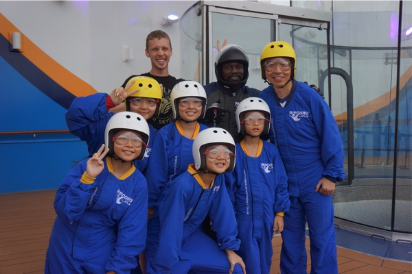 iFly - group photo with instructor