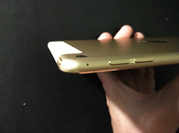 iPad Mini 4 - side view 1