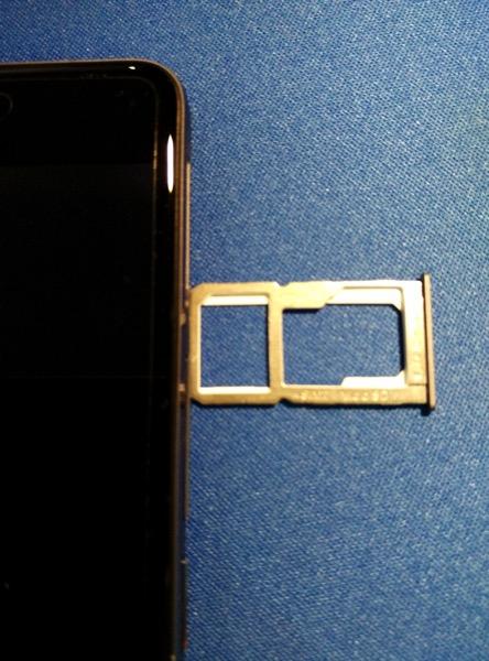 OnePlus X - sim cards slot