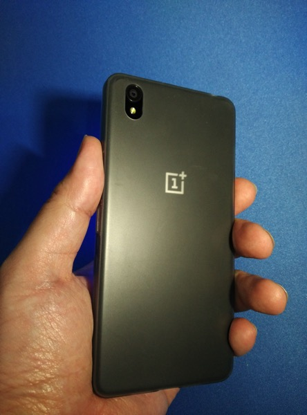 OnePlus X - size on wrist