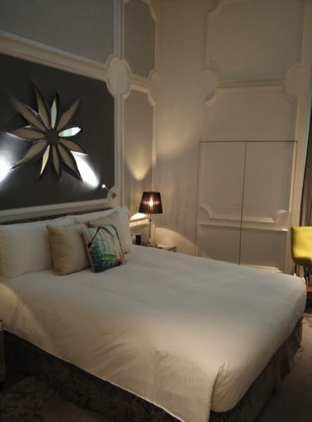 Sofitel So Singapore - Bed