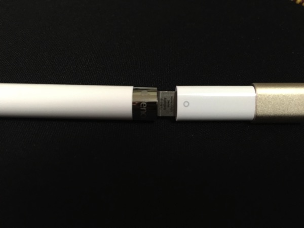 Apple iPad Pro - Apple Pencil - charging connector