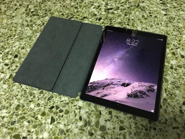 Apple iPad Pro - Apple Smart Keyboard - Flip cover mode