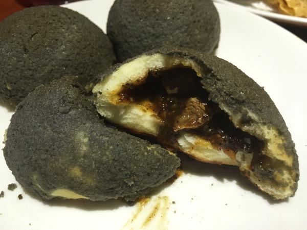 London Fat Duck SG - food tasting - Black Pepper London Duck Bun (within)