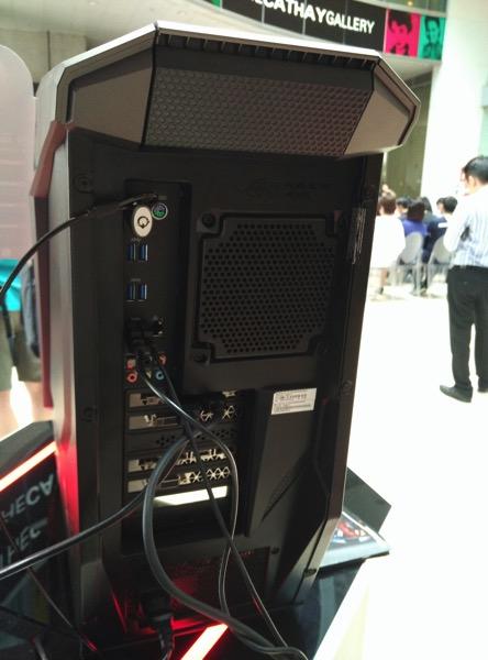 ASUS ROG GT51 - back ports