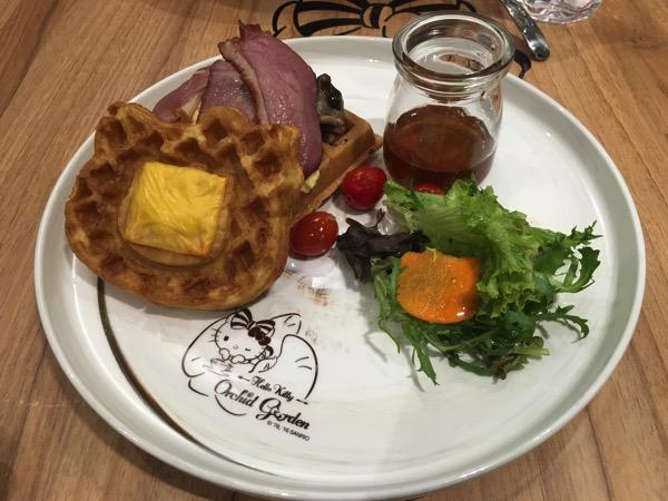Hello Kitty Orchid Garden Singapore Cafe - Big Breakfast Surprise