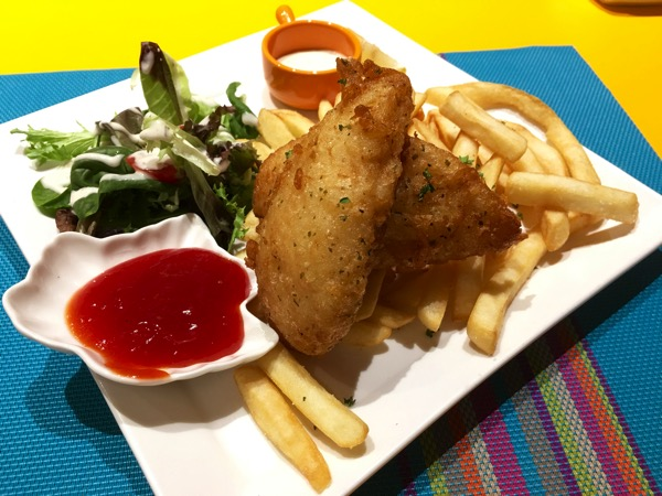 IBIS Styles Macpherson (Accor group hotel chain) - chat and chow dining restaurant (fish and chips)