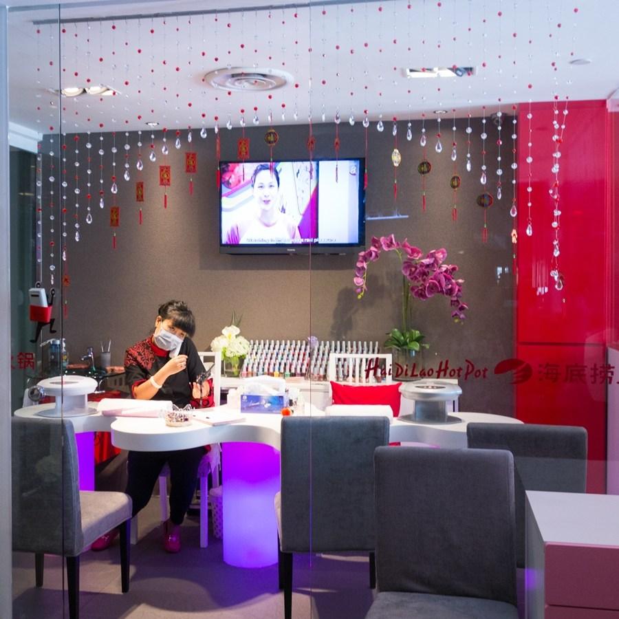 海底捞火锅 Hai Di Lao Hot Pot - Manicure room