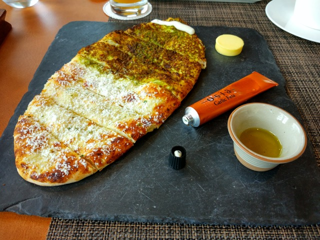 RWS Osia Restaurant - Stone Hearth Flat Bread