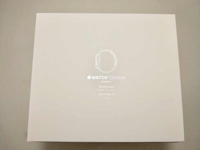 apple-s2-watch-edition-review-model-on-packaging