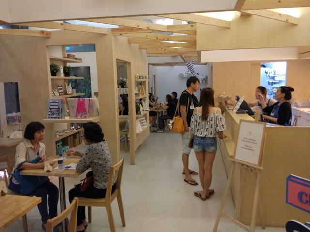 craftholic-singapore-pop-up-cafe-interior