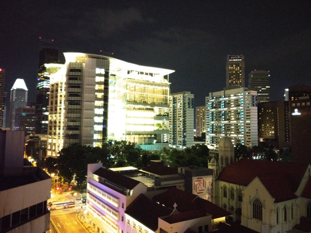 mercure-bugis-singapore-hotel-review-executive-loft-room-night-view-at-garden-area