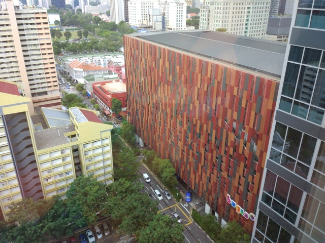 mercure-bugis-singapore-hotel-review-executive-loft-room-view-of-shopping-district