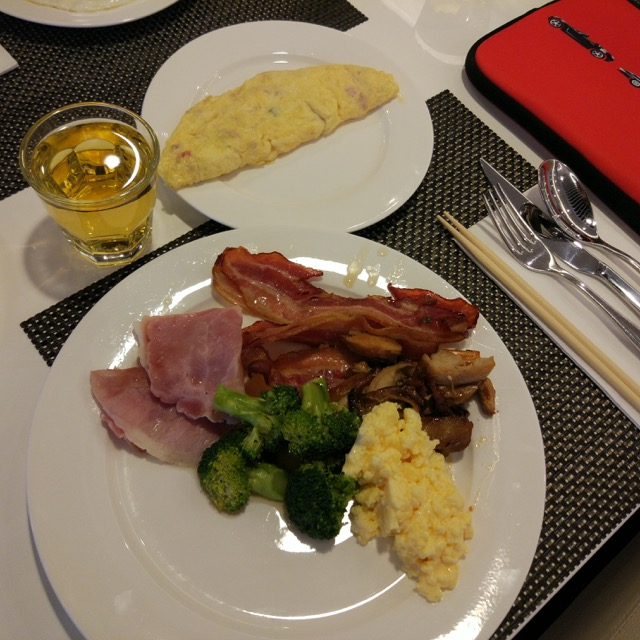 mercure-bugis-singapore-hotel-review-morning-breakfast