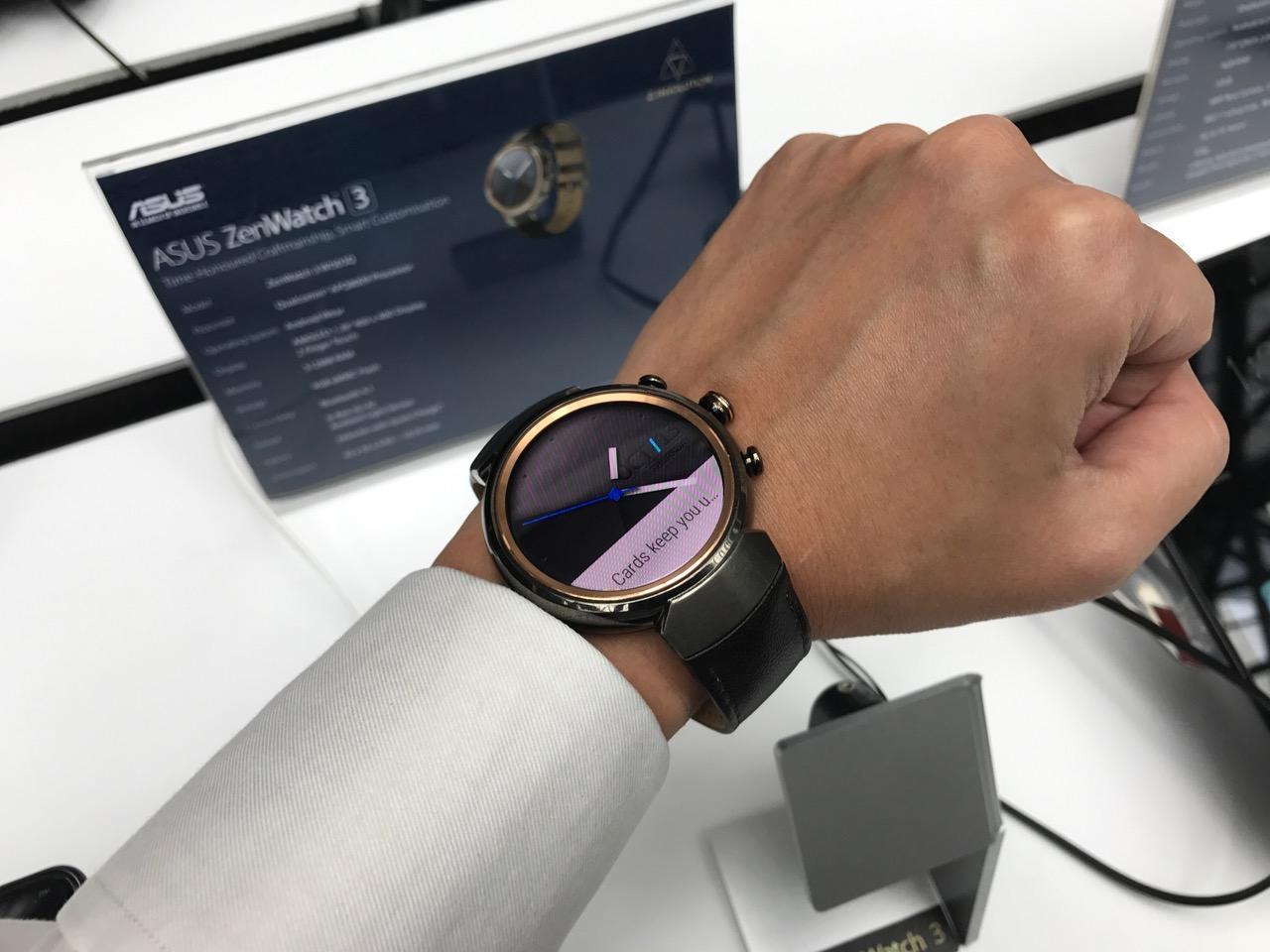 zenvolution-in-singapore-zenwatch-on-hand