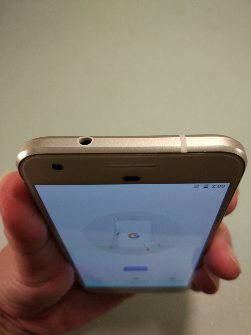 google-pixel-review-phone-top-view