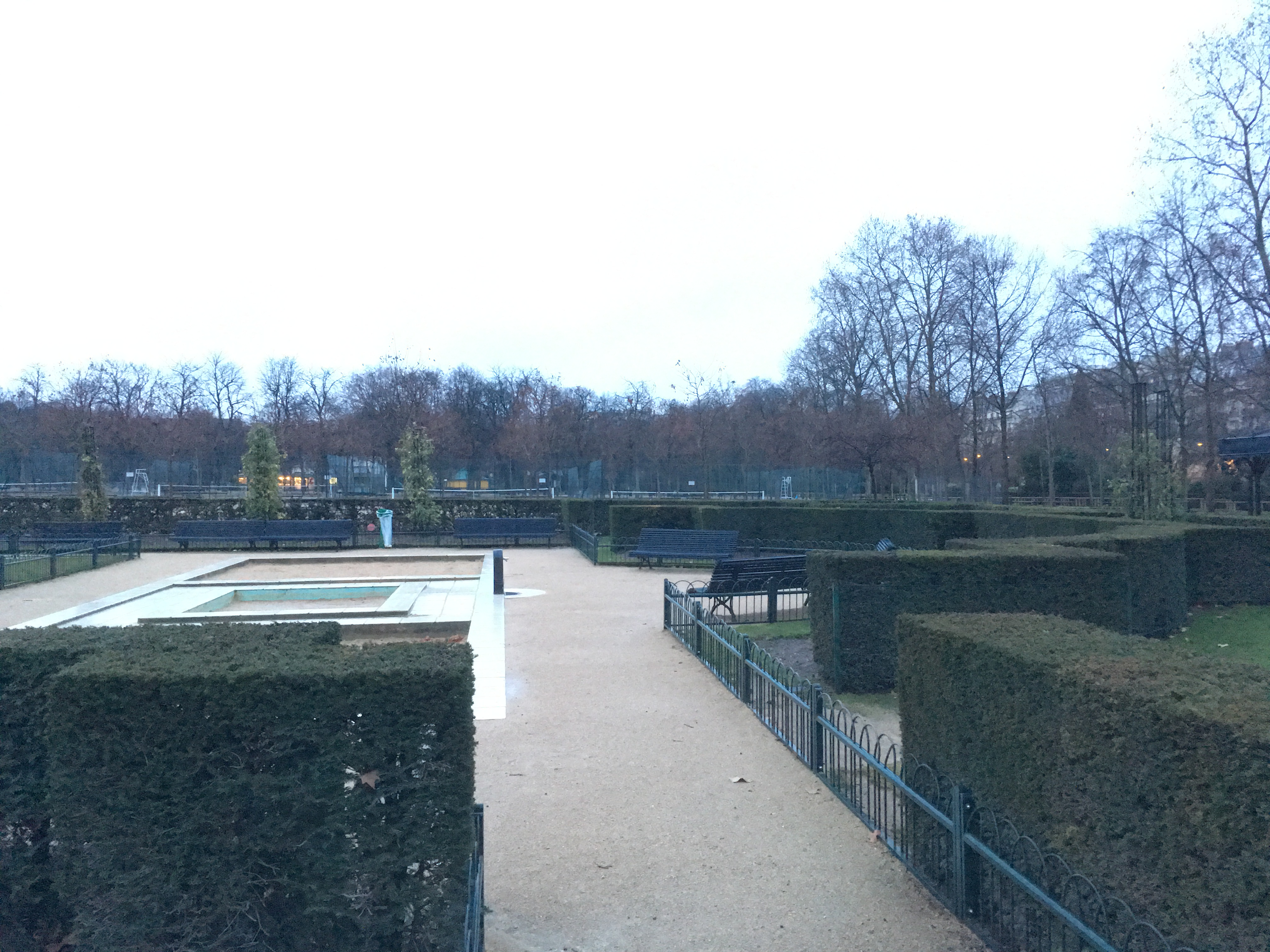 Planning a day trip to paris from london quick useful for Cafe du jardin london