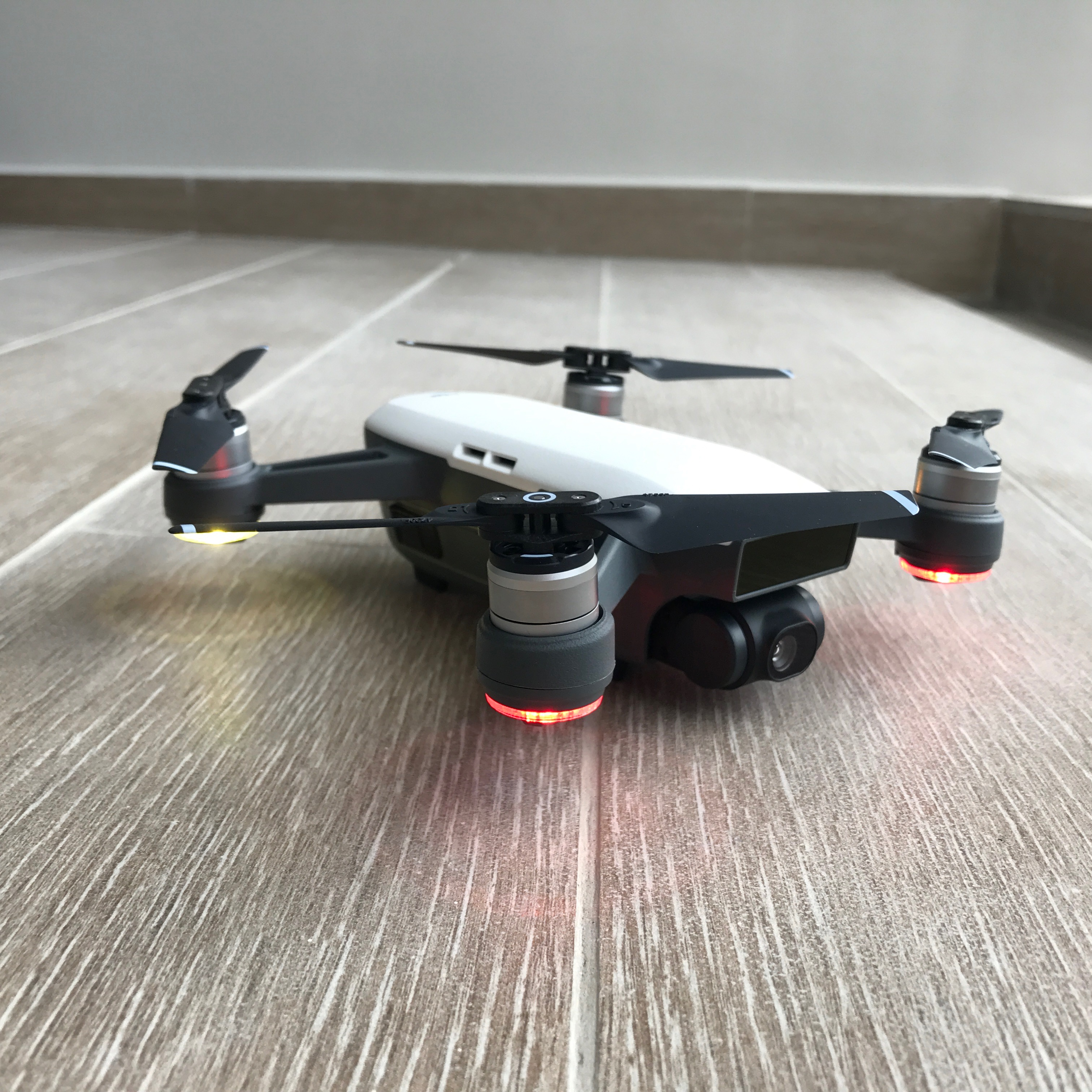 With DJI Spark, flying a drone can be a real fun activity ...